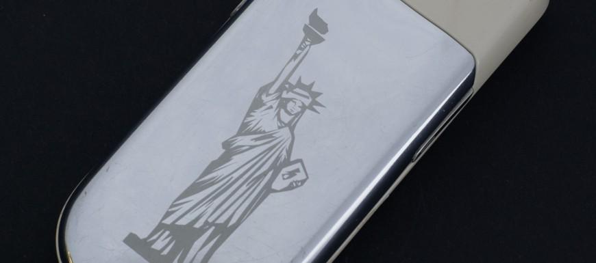 Nokia 9900 Sirocco Light được khắc hình Nữ thần tự do theo ý khách