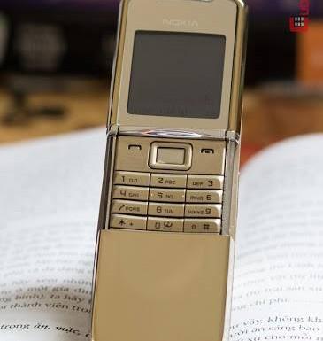 Vẻ đẹp của Nokia 8800 Sirocco Gold