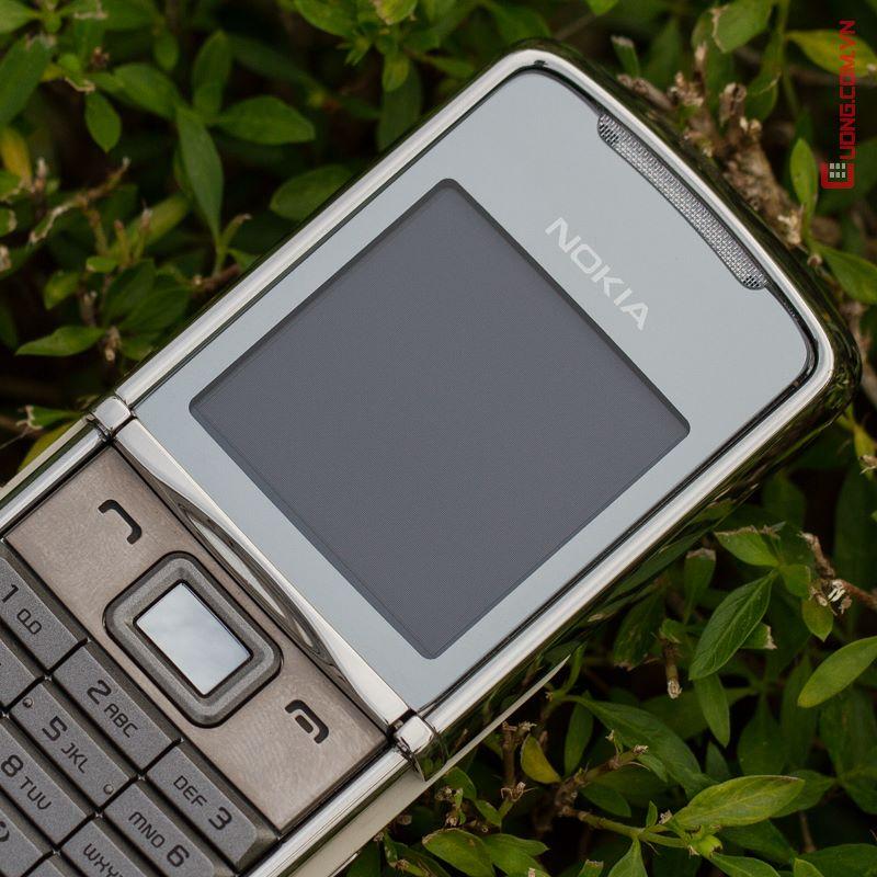 V? ??p l?ng l?y c?a Nokia 8800 Sirocco - x?ng ?�ng l� m?t ki?t t�c