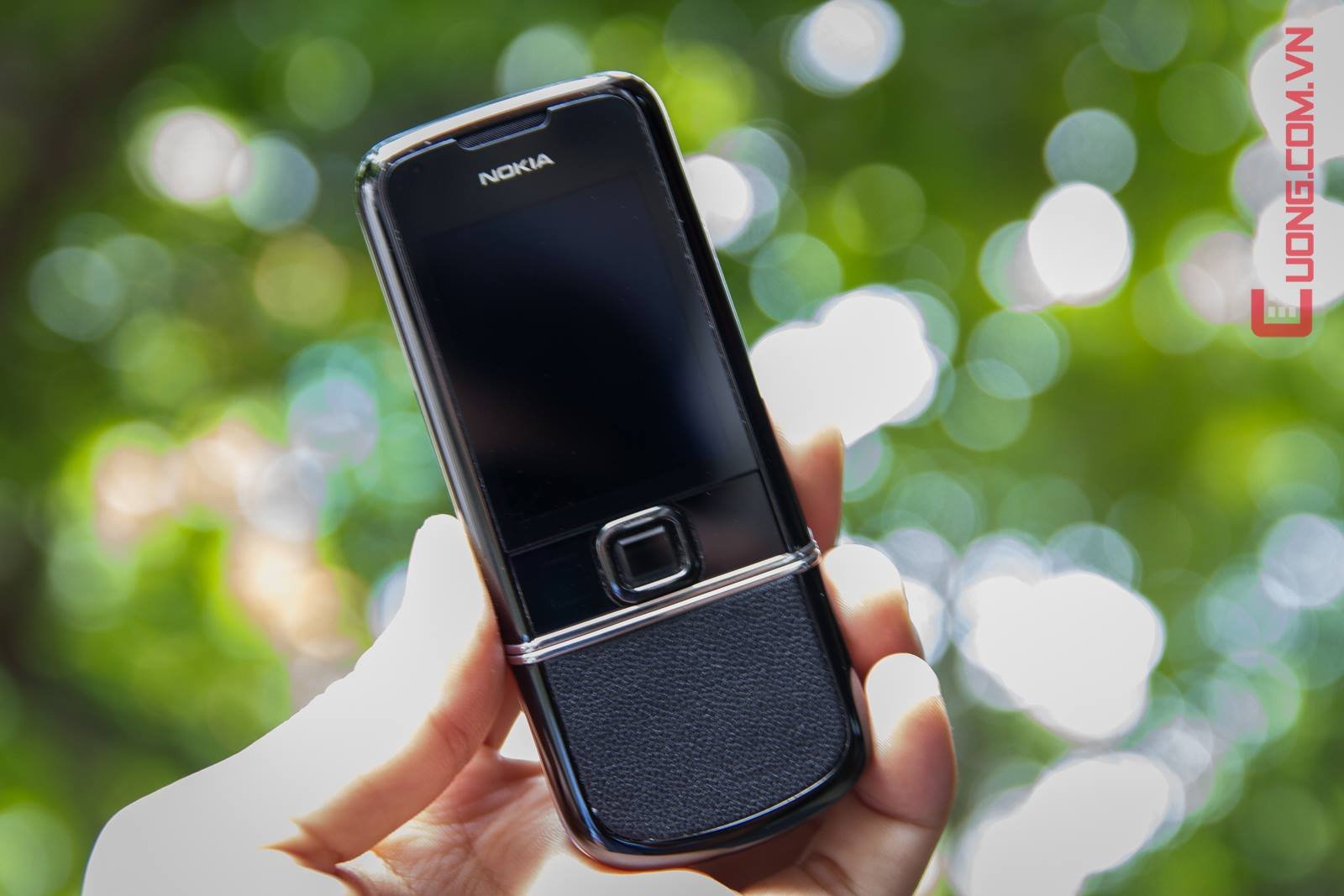 Nokia 8800 Black Arte thon g?n sang tr?ng