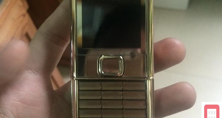 Nokia 8800 Gold Arte kh?m long ph?ng