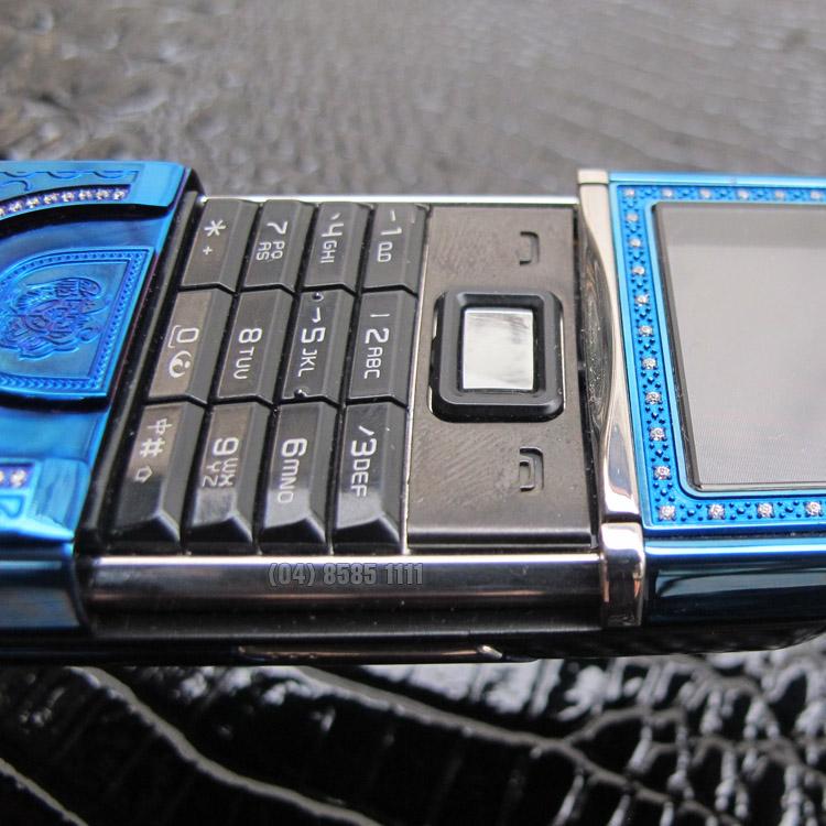 B? b�n ph�m m?nh m? nam t�nh c?a Nokia 8800 Sirocco King Arthur