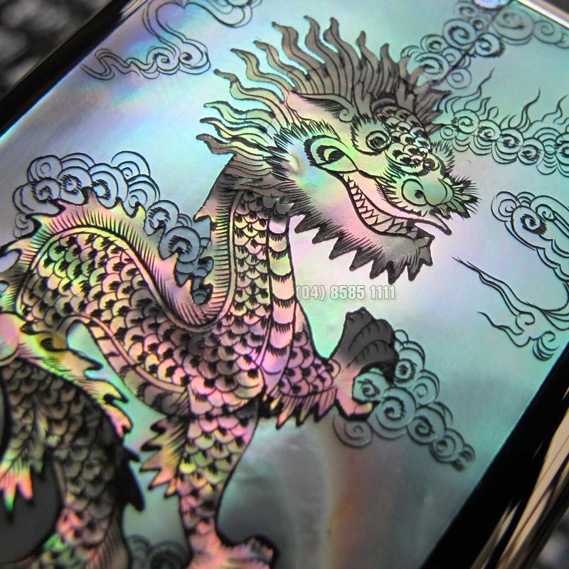 Th?n r?ng c??i m�y th? hi?n s? uy quy?n r?t h?p v?i chi?c Nokia 8800 Blck Gold