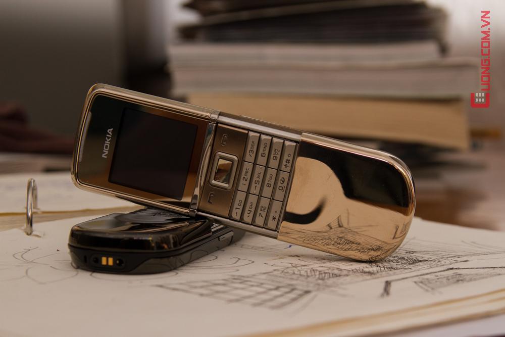 V? ??p ??y ??ng c?p v?i chi?c b�n ph�m m? v�ng 18kara c?a Nokia 8800 sirocco gold